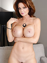 nice breasts, Deauxma