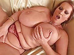 Babes Vids: Huge tits and pussy rubbing
