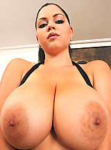 Bouncing Boobs, Busty hot babe Shione Cooper shows her tits & cunt to sex