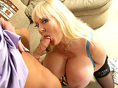 Kayla Kleevage & Rocco Reed in Fucking Hot Moms