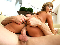 Ava Devine & Jordan Ash in Fucking Hot Moms