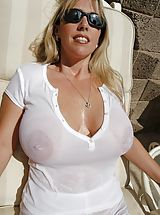 Hard Nipples, Houswife whith Super Huge Tits is really wet