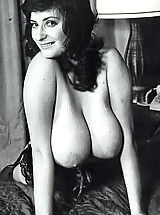 Busty Vintage, Retro Naked Girls