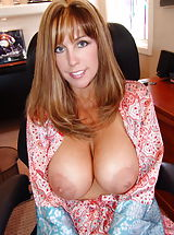 Housewives Pics: Big Natural Sissy in the office